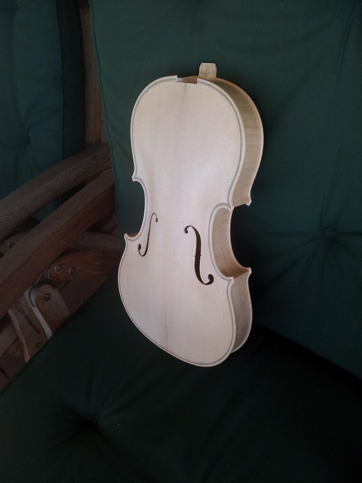 Old wood minerale interior of violin - Post 37356 0 09018200 1369032086_thumb Jpg