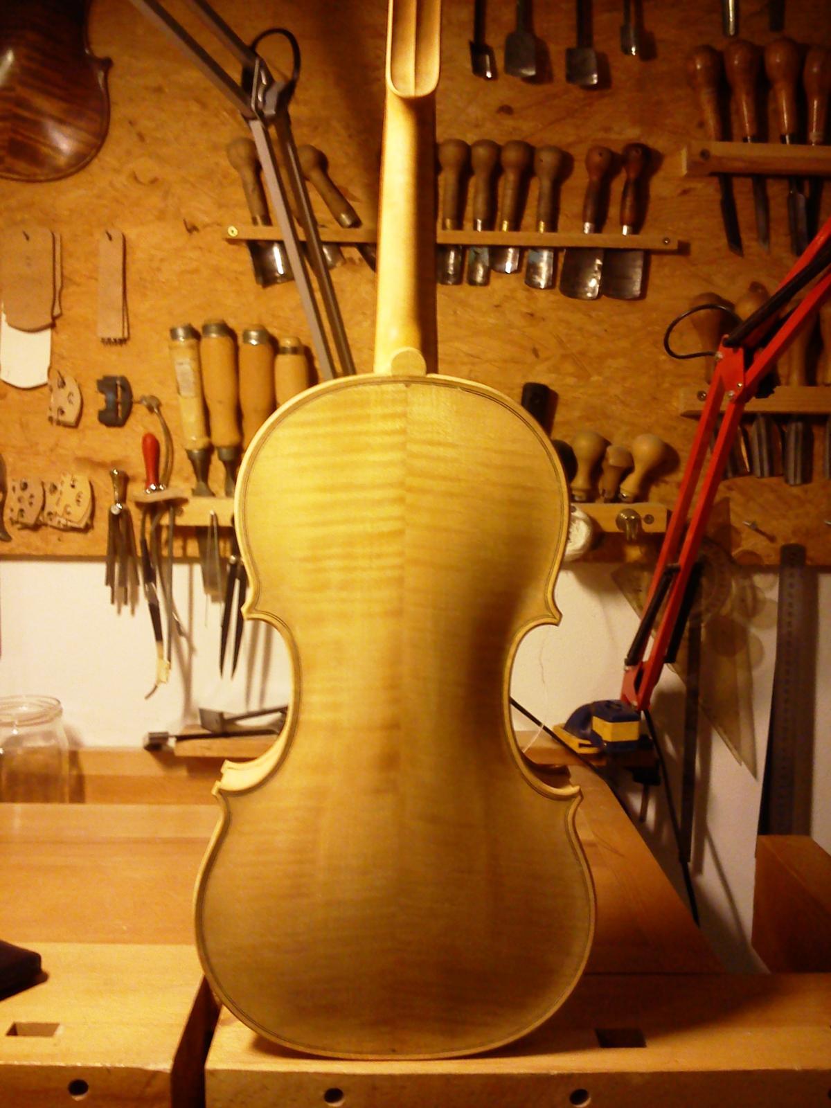 Old wood minerale interior of violin - Post 29527 0 10607300 1383506098_thumb Jpg