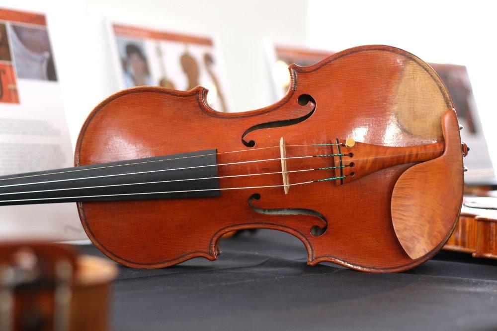 andreas-preuss-violin-1.thumb.jpg.2620a3ae297cff8bd739f97141cd64f2.jpg