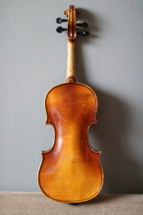 golden-1-8-violin-bassclef-maestronet-3.jpg