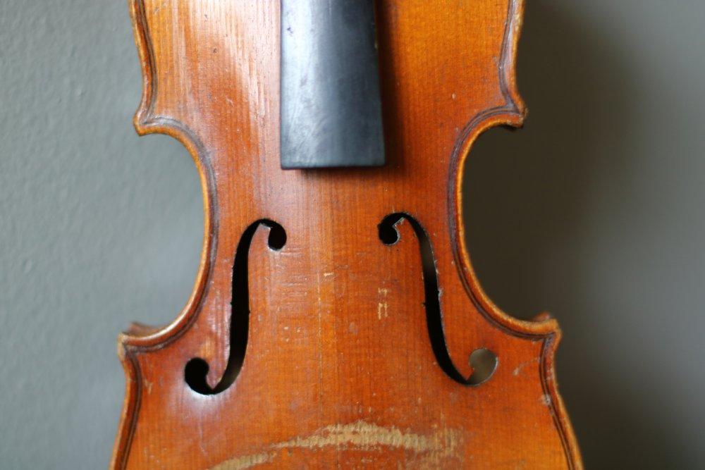 golden-1-8-violin-bassclef-maestronet-8.jpg