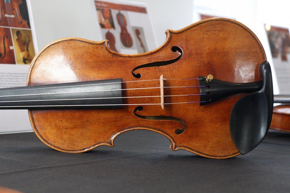roger-hargrave-violin-2.jpg