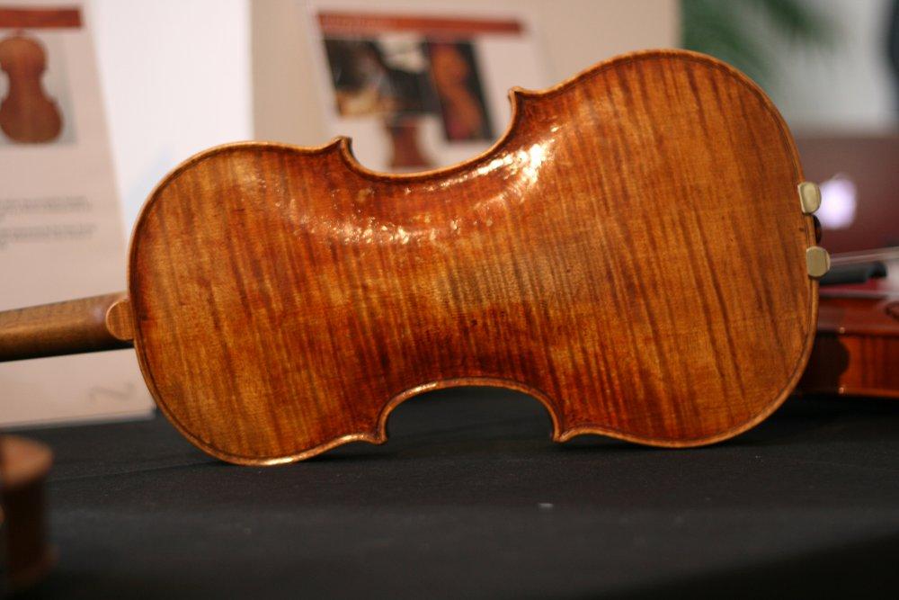 shan-jiang-violin-2-back.thumb.jpg.b133113e534c46758f3e04290d8c038c.jpg