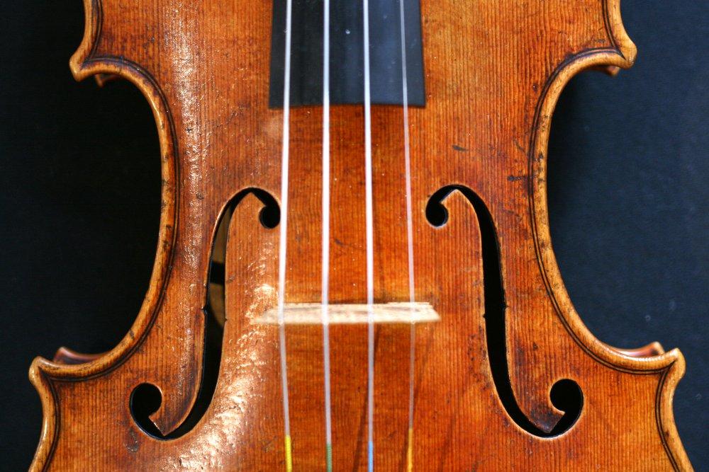 tres-amigos-violin.thumb.jpg.81ebca995cf1c51bc496f11dbb772c6b.jpg