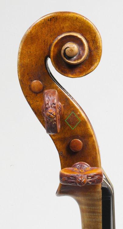 AA 1560c - ex Kurtz violin.jpg