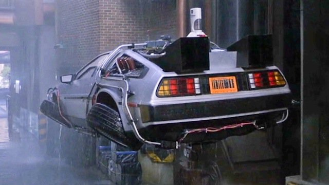 DeLorean001.jpg.e2d20a044f9cd61e04b2feb258b2fff7.jpg