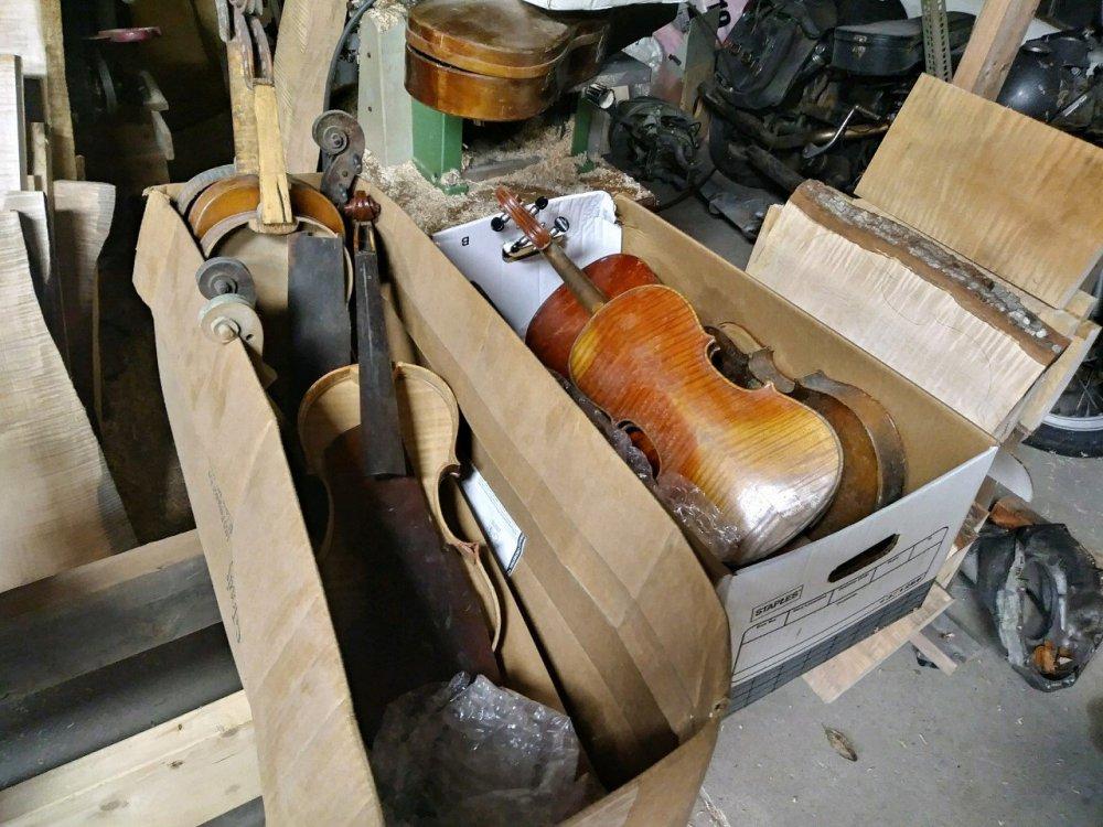 box-o-fiddles.jpg