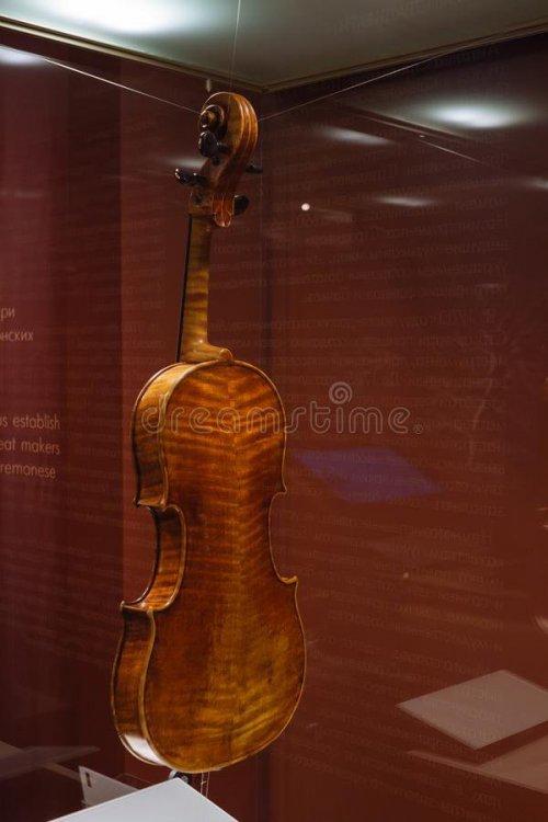moscow-russia-dec-glinka-national-museum-viola-antonio-stradivary-cremona-italy-viola-antonio-stradivary-cremona-italy-109434460.thumb.jpg.6d9332f883f76588d4e184061968d892.jpg