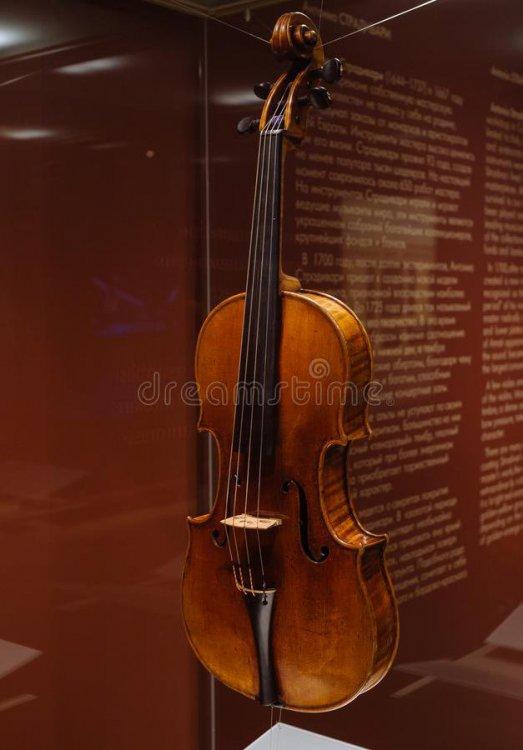 viola-antonio-stradivary-cremona-italy-moscow-russia-dec-glinka-national-museum-109434418.thumb.jpg.e77354ebb38b1a64bbf45a0def22f4c3.jpg
