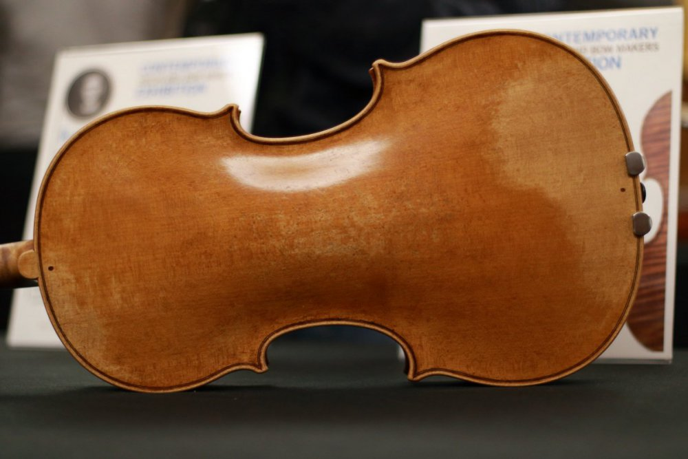 contrmporary-violin-exhibition-218-bassclef-october-18-2019.thumb.JPG.49e02b5ae960ac666287e04afc4d6374.JPG