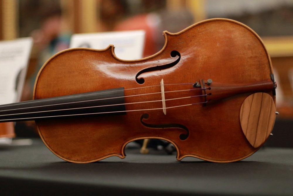 contrmporary-violin-exhibition-236-bassclef-october-18-2019.thumb.JPG.ce0b89f7ef016182300c4a14e4c76b79.JPG
