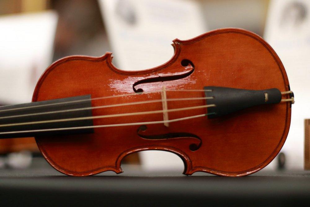 contrmporary-violin-exhibition-243-bassclef-october-18-2019.thumb.JPG.144f83b41ac6e66045cb178a010685b8.JPG