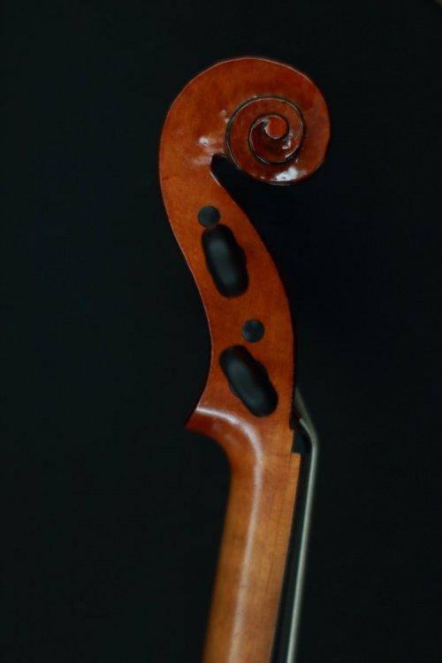 contrmporary-violin-exhibition-246-bassclef-october-18-2019.thumb.JPG.6d4a8e9230783d194d151ee324510a7e.JPG