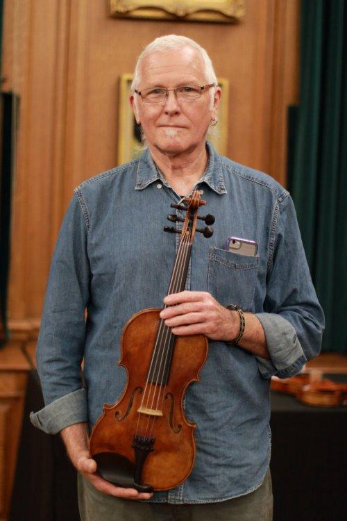 contrmporary-violin-exhibition-275-bassclef-october-18-2019.thumb.JPG.9bb3c22ab56581f81bf51096091a850d.JPG