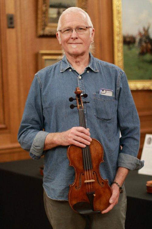 contrmporary-violin-exhibition-276-bassclef-october-18-2019.thumb.JPG.6ea0977d68ea55565b3265a9951338a1.JPG