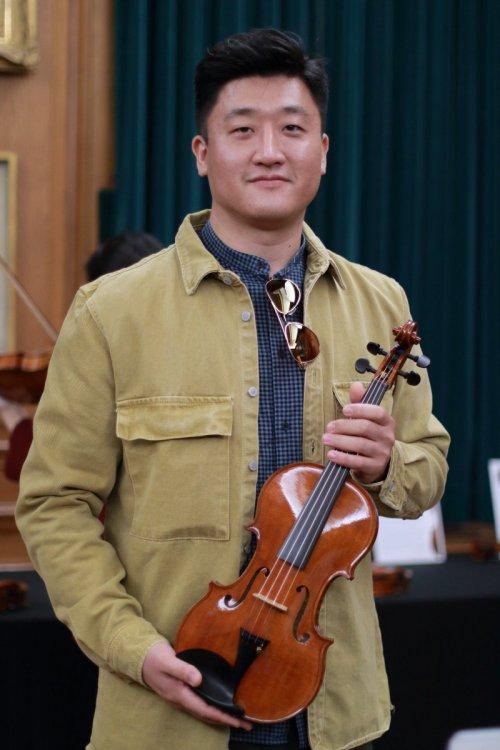 contrmporary-violin-exhibition-286-bassclef-october-18-2019.thumb.JPG.78d45be5451bde03165a255a25b2ff8c.JPG