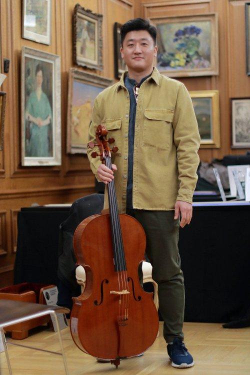 contrmporary-violin-exhibition-288-bassclef-october-18-2019.thumb.JPG.60681e852bb880bf3d755c4fd1fe615d.JPG