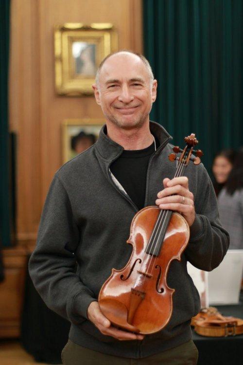 contrmporary-violin-exhibition-290-bassclef-october-18-2019.thumb.JPG.45a086f1511c6e1c070cf24972405068.JPG