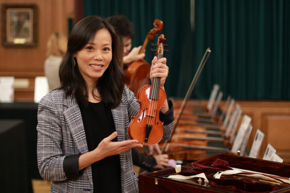 contrmporary-violin-exhibition-294-bassclef-october-18-2019.thumb.JPG.9f59dbb64081ac3b53e419689ef8e129.JPG