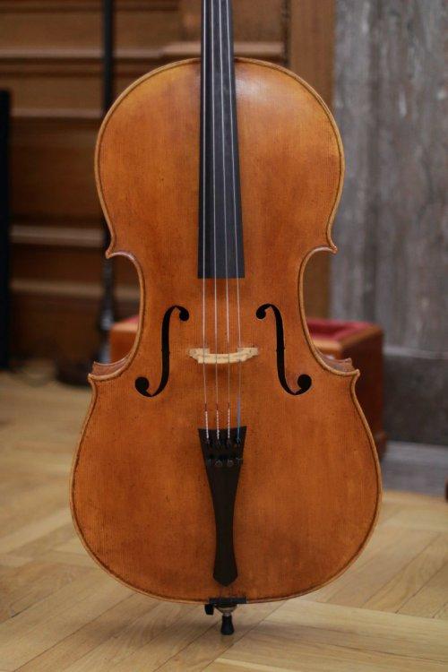 contrmporary-violin-exhibition-297-bassclef-october-18-2019.thumb.JPG.9ec9761a4c6821e692cd3b78bc6764dc.JPG