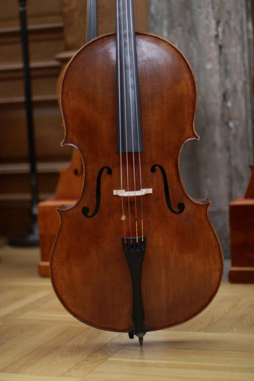 contrmporary-violin-exhibition-307-bassclef-october-18-2019.thumb.JPG.7b57cd972f51b1abf35f22e14dd00d33.JPG