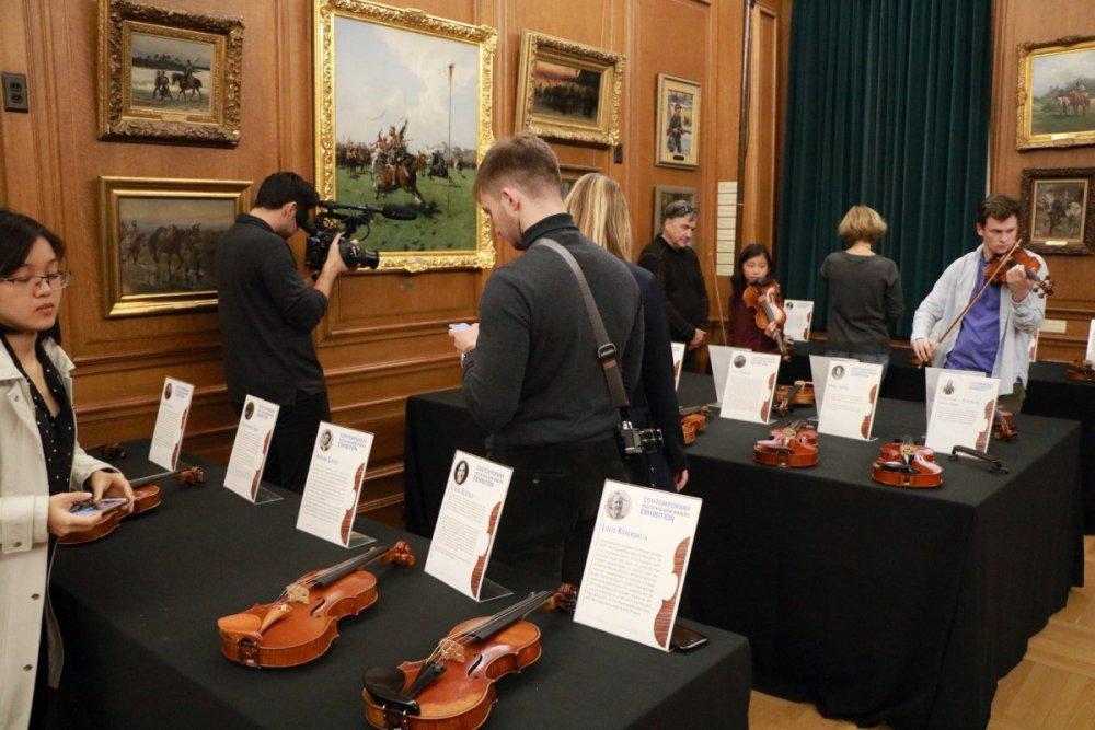 contrmporary-violin-exhibition-339-bassclef-october-18-2019.thumb.JPG.6c238b11e225695455fff402a931e562.JPG