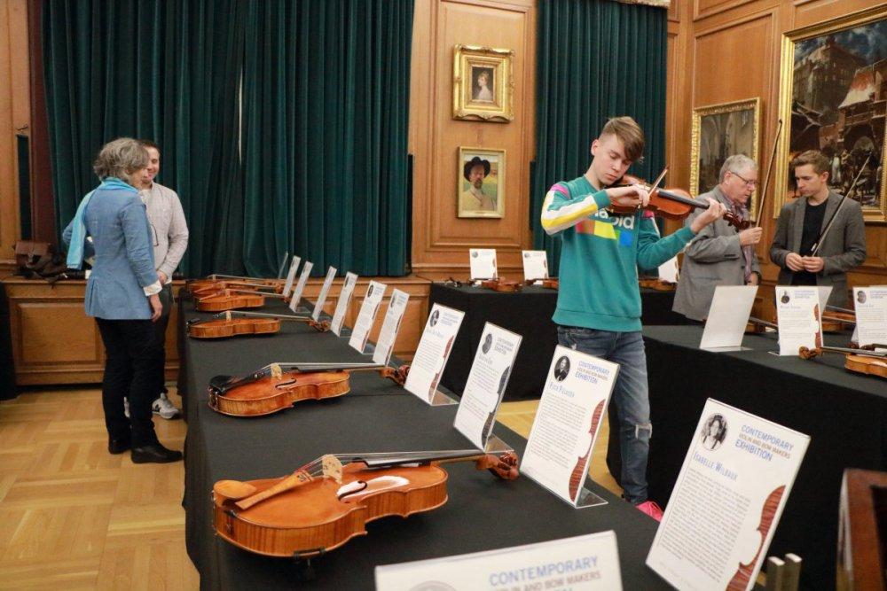 contrmporary-violin-exhibition-340-bassclef-october-18-2019.thumb.JPG.3edfd5becd45fb4c60b62067028a7c60.JPG