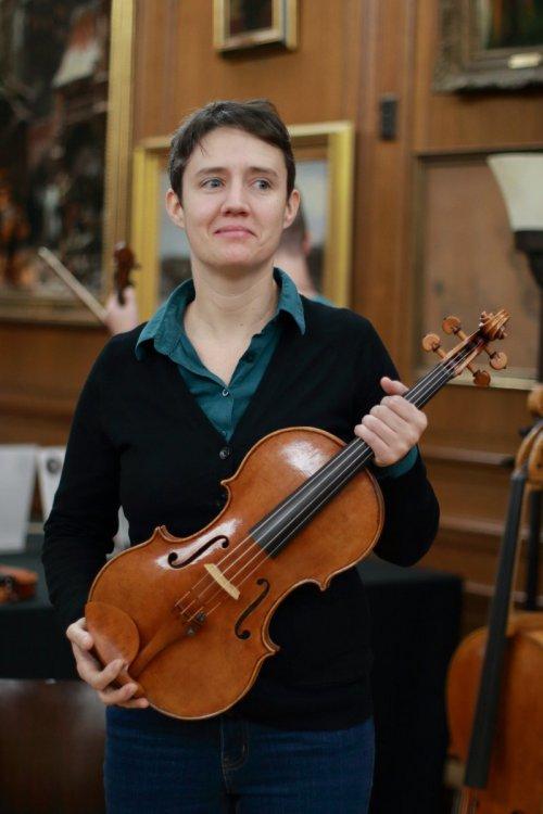 contrmporary-violin-exhibition-345-bassclef-october-18-2019.thumb.JPG.134103f7709d6882317d24d2e6746a5b.JPG
